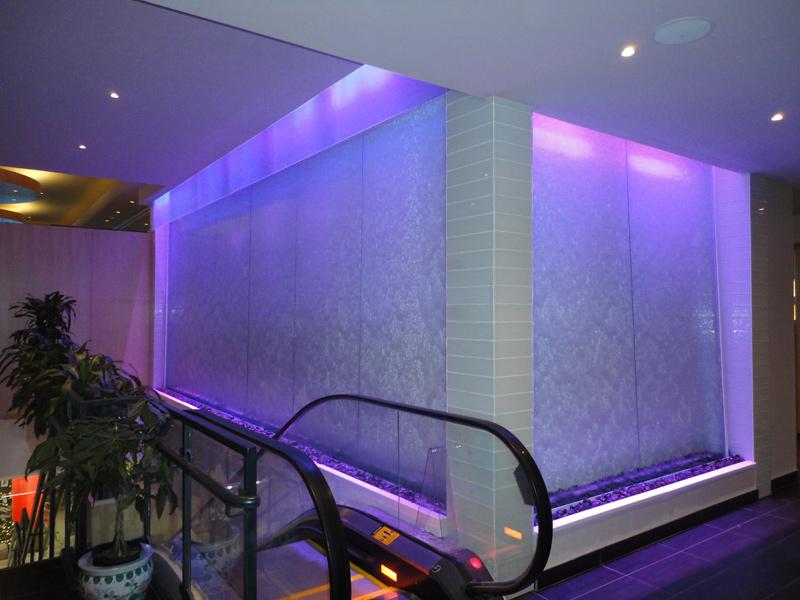 mur d 39 eau grand format sur vitre multiples faces. Black Bedroom Furniture Sets. Home Design Ideas